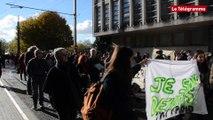 Brest. 500 personnes défilent pour réclamer un toit pour les migrants