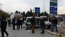 Ambulans Ile Ticari Araç Çarpıştı: 5 Yaralı