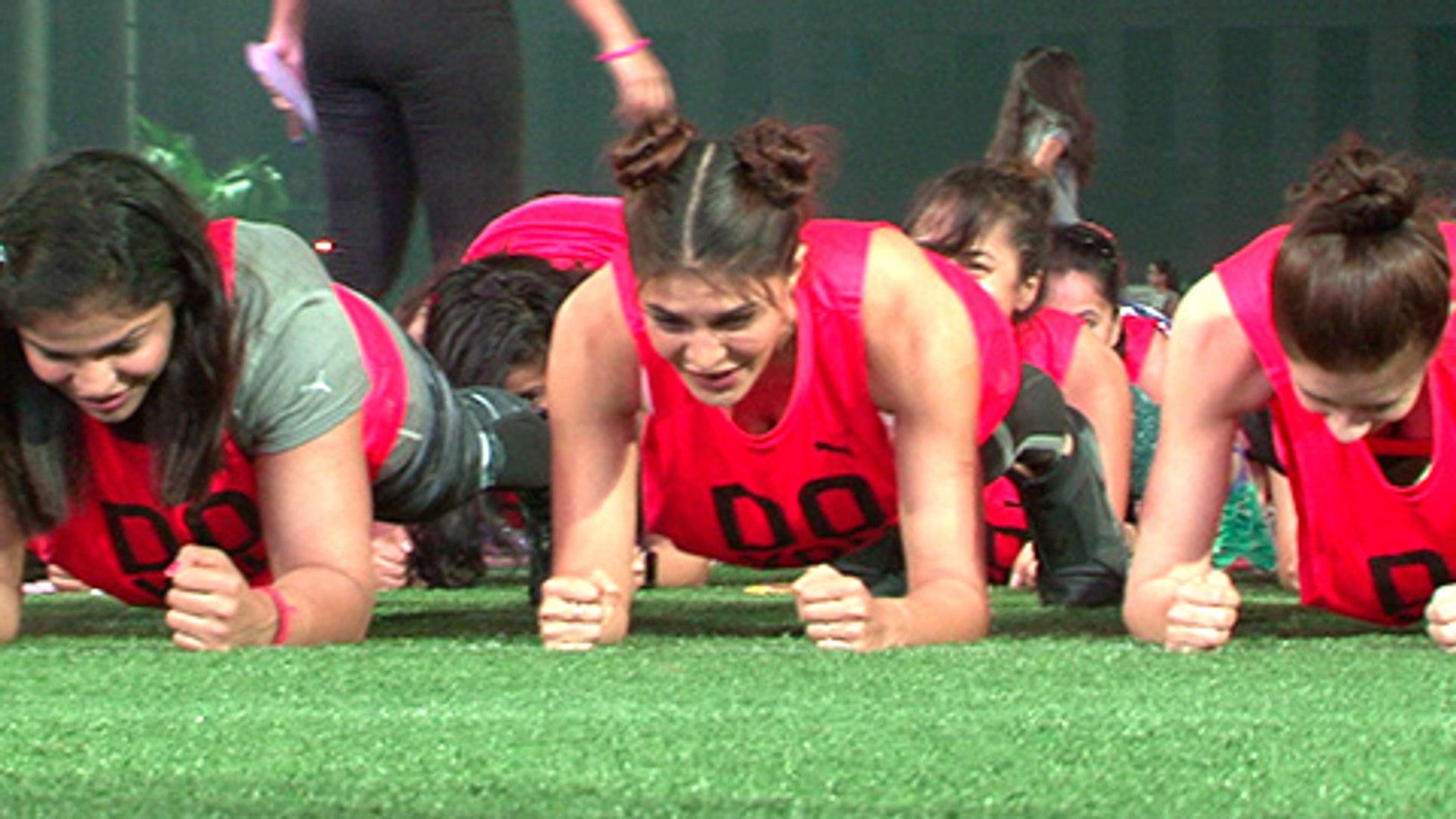 Jacqueline Fernandez, Kalki  New Guinness World Record for Abdominal Plank Position for 60sec