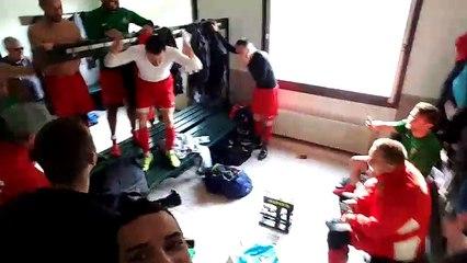 Joie dans les vestiaires après la victoire 5-1face à Stéria !
