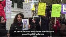 Les associations féministes manifestent pour l'égalité salariale