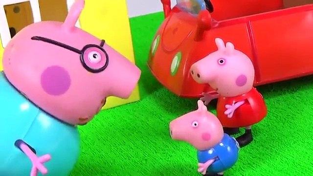 Pig George da Familia Peppa Pig CAI DA PRIVADA! Novelinha da Peppa em Português