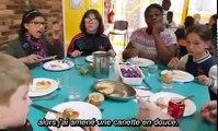 Michael Moore impressionné par les cantines scolaires en France