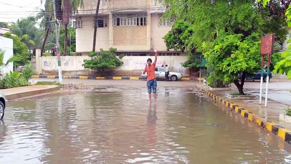 Bekaar Films - After it rains in Karachi...