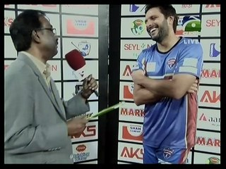 Shahid Afridi wins Man of the Match award in BPL 2016