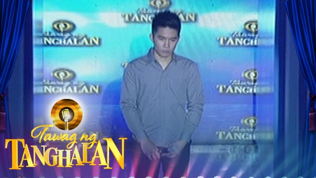 Tawag ng Tanghalan: Dwight Oliver Callao gets the golden microphone from Jade Castro