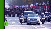 Sous l'Arc de Triomphe, François Hollande rend hommage aux soldats morts pour la France