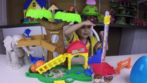 LITTLE PEOPLE Mia Helps Elephant Learn to Count Egg Surprise Opening Thomas Toy Trains Shorts part1
