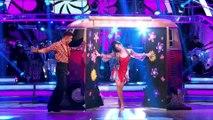 Daisy Lowe & Aljaz Salsa to 'Groove Is In The Heart' by Deee-Lite
