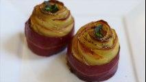 Il réalise de belles roses avec des pommes et du bacon ! Le résultat a l'air trop délicieux (pour les yeux et le ventre !)