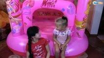 БАТУТ ПРИНЦЕССЫ Клуб Винкс Ярослава и Рита РАСПАКОВКА Игры Для Девочек Winx Club Doll Play Castle