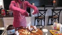 Real Life Spiderman ve Spidergirl Tarih - krep & Tuvalet Pişirme Süresi!