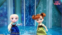 Elsa and Anna Toddlers Playing in the Snow! Do you wanna build a Snow Man   Frozen Surprise Eggs-hFkqCHKD5MA