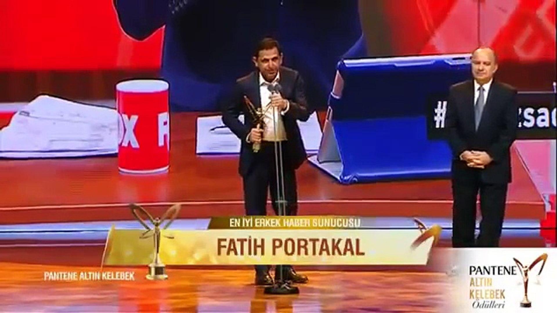 Fatih Portakal'ın olay yaratan Altın Kelebek konuşması... Ercan Gün'e ithaf... - Dailymotion Video