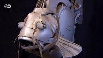 Esculturas feitas de capotas de carro unem arte e reciclagem