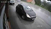 Ce conducteur s'est arrêté au bord d'une route et a fait l'erreur d'oublier son frein à main