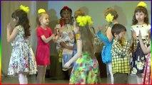 Выступление детей Милана 4 года Танцует Россия Уфа childrens holiday tree girl Dancing 4 years