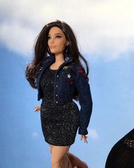 Ashley Graham a désormais sa propre Barbie @theashleygraham