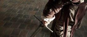 Duel impressionnant entre deux combattants équipés d'épées
