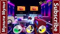 Disney Pixar Cars Ice Racer Lightning McQueen vs McQueen   Cars Daredevil Garage - NEON RACING!