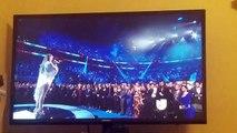 Jennifer Lopez y Marc Anthony se dan tremendo beso en los Grammy Latino