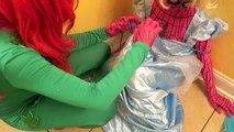 Is Poison Ivy Kissing Prince Charming? - Spiderman vs Frozen Elsa Joker Poison Ivy - Disney Princess