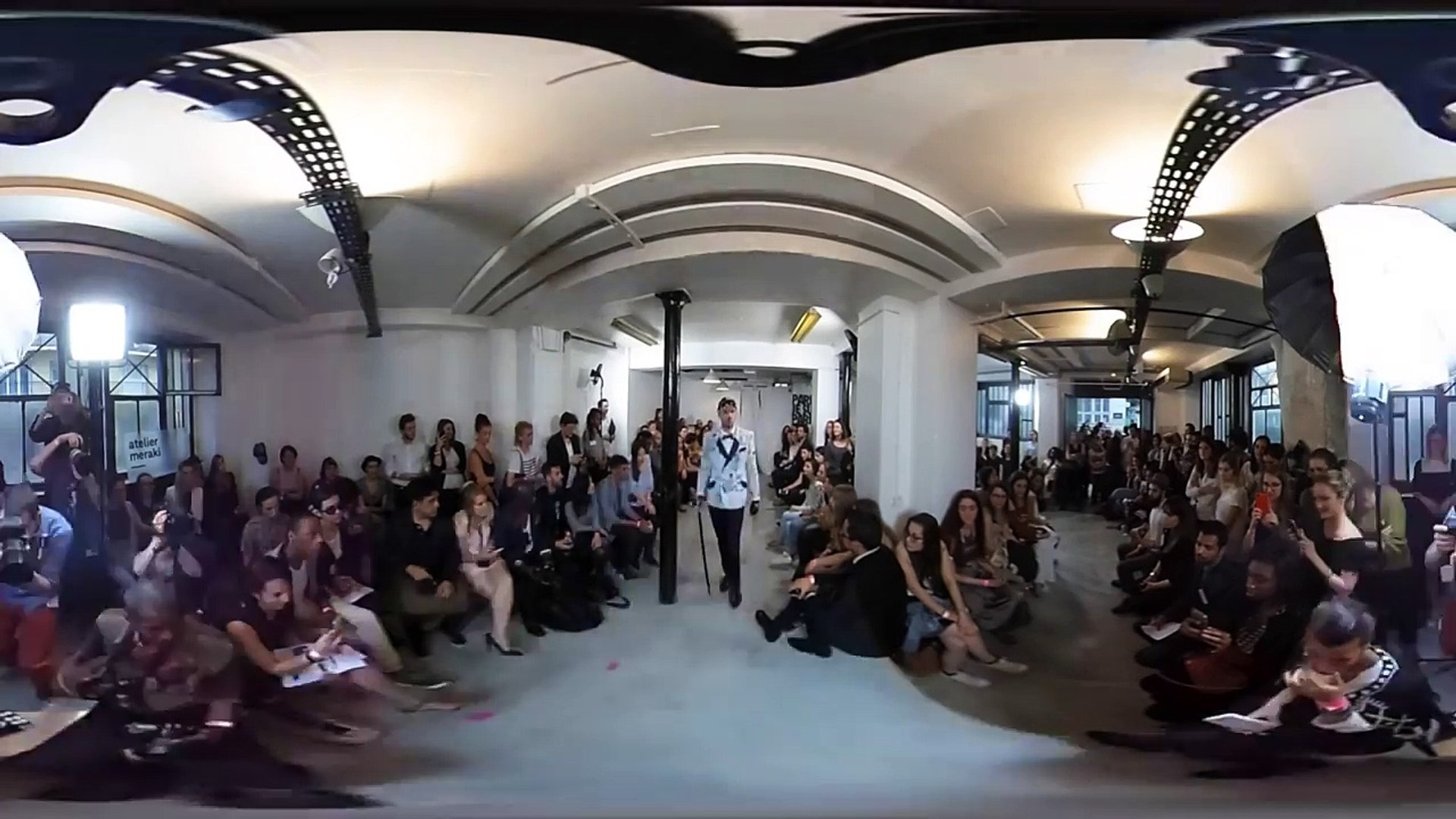 Paris Fashion week 2016 - 360 Fashion show