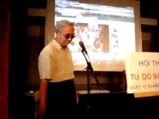 Ông Đạo phát biểu tại buổi hội thảo Tự Do Báo Chí