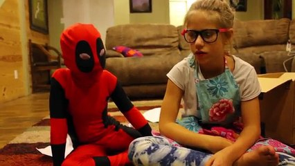 A Five Nights at Freddys Scary Halloween Story! Part 1 WARNING: JUMP SCARES! SuperHero Kids