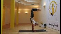 Quatre positions pour faire du yoga comme Ashton Kutcher