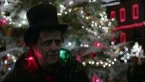 Frankenstein accueilli par les gens dans la pub d'Apple pour Noël