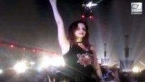 Hrithik's Ex Wife Sussanne Khan DANCES At Coldplay Concert
