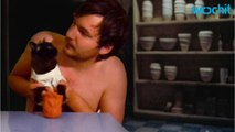 """""""Movie Cats"""": A Man from the UK & His Cat Recreate Famous Movie Scenes"""