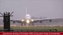Atterrissage incroyable d'un  avion Airbus A380 en pleine tempête à Amsterdam !