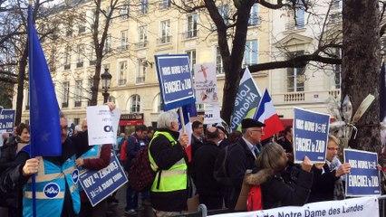 Nantes : trois associations pro-aéroport manifestent à Paris