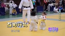 Wrestling kids - مصارعة اطفال Funny videos