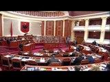 Kuvend - Tabaku sms Leskajt: Jepja fjalën Berishës, spostoi të tjerët