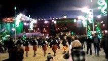 Le bus des joueurs du Barça accueilli par des cornemuses écossaises