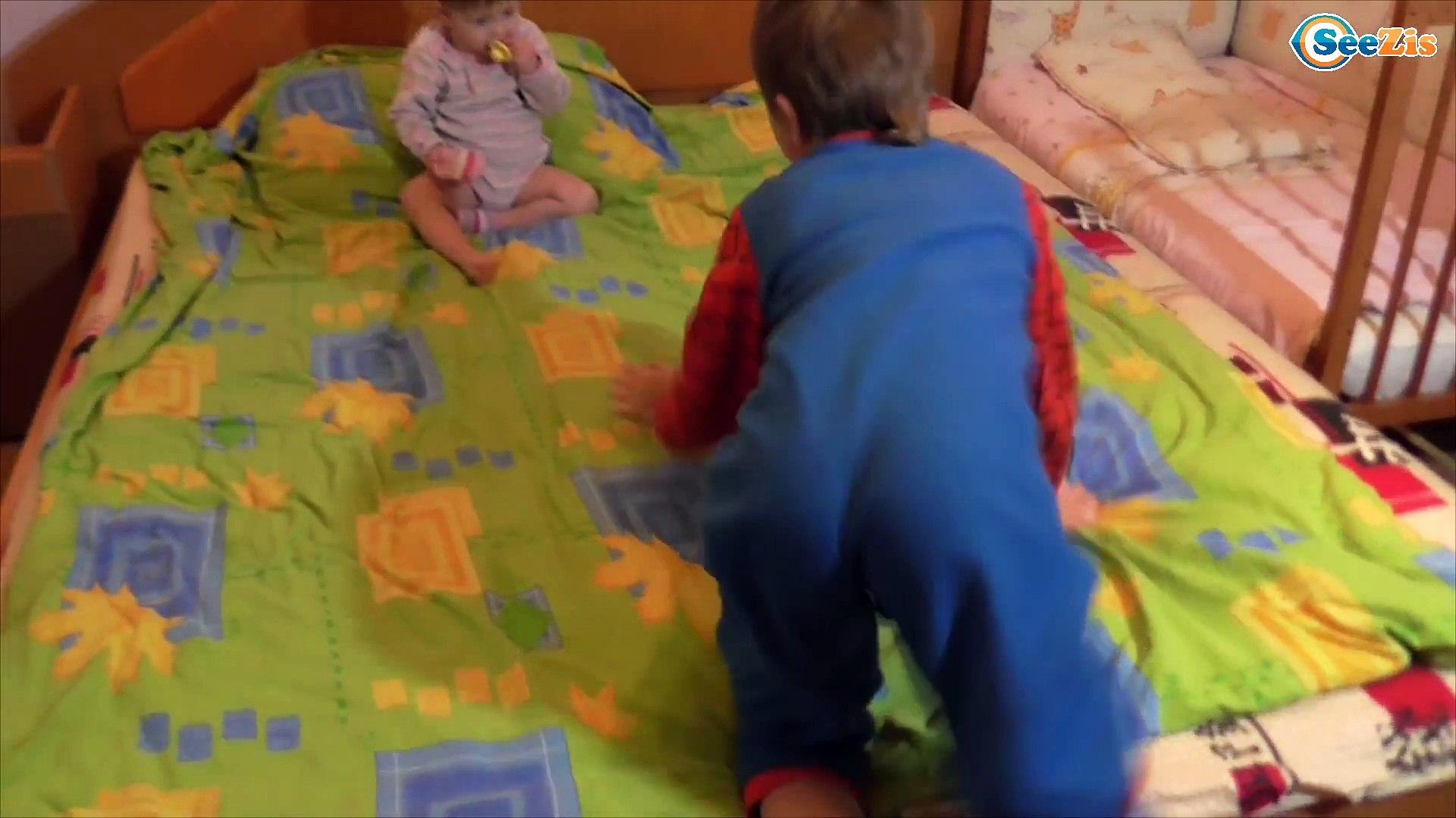 BAD BABY and Good Girl Playing Арина и Игорек Плохие и Хорошие Дети Ложимся Спать Видео для Детей
