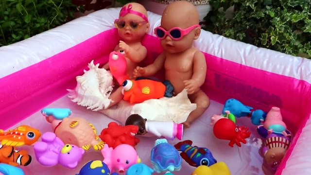 Twins Baby Doll splashing Giant Inflatable swimming pool with float toys Peppa Pig, Doc McStuffins-BV12q8PlRsk