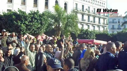 Manifestation de l'intersyndicale à Alger contre la suppression du droit à la retraite anticipée