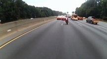 Crash en moto à grande vitesse sur l'autoroute.