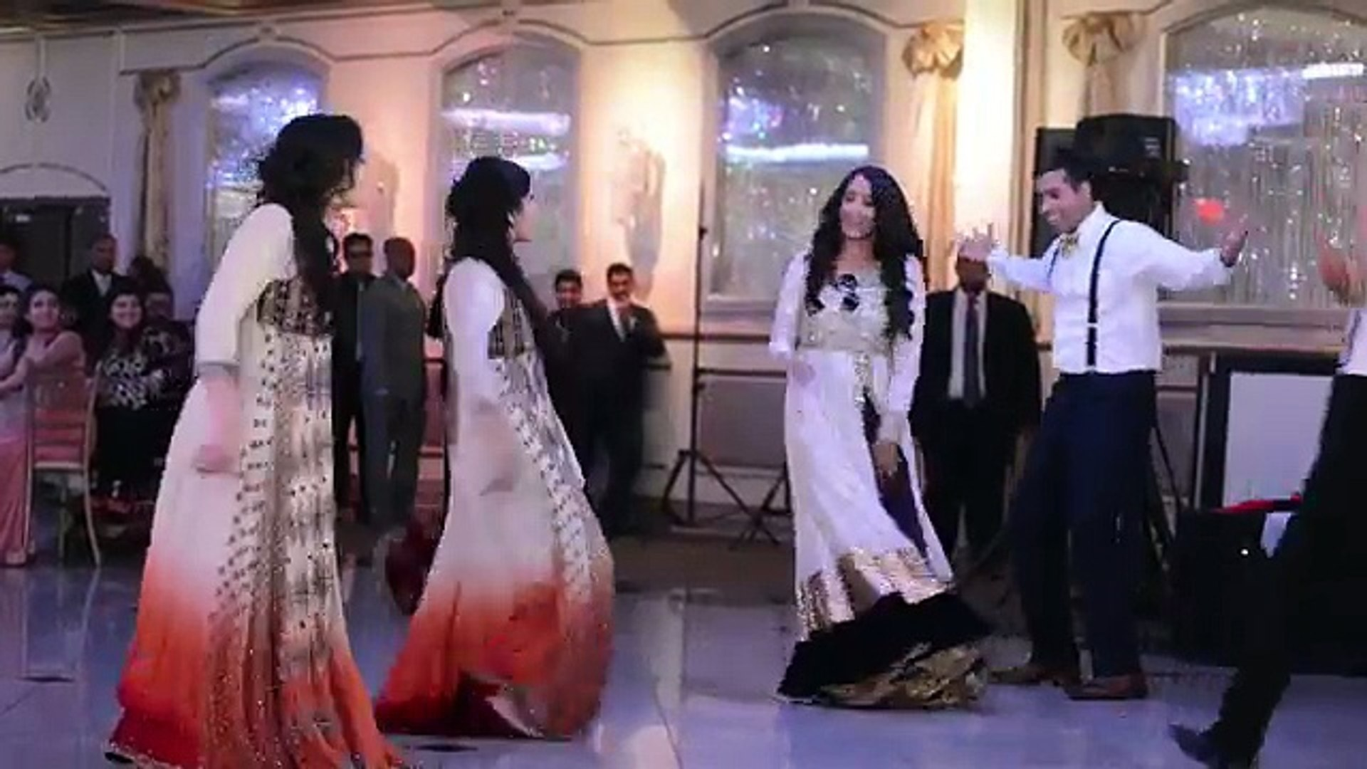 Mehndi Dance Boys vs. Girls Wedding Reception Dance Faisal & Summaya