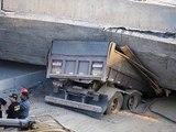 Amazing Trucks driving skills - Extreme Trucks Driver Video - Awesome Truck Driving Skills