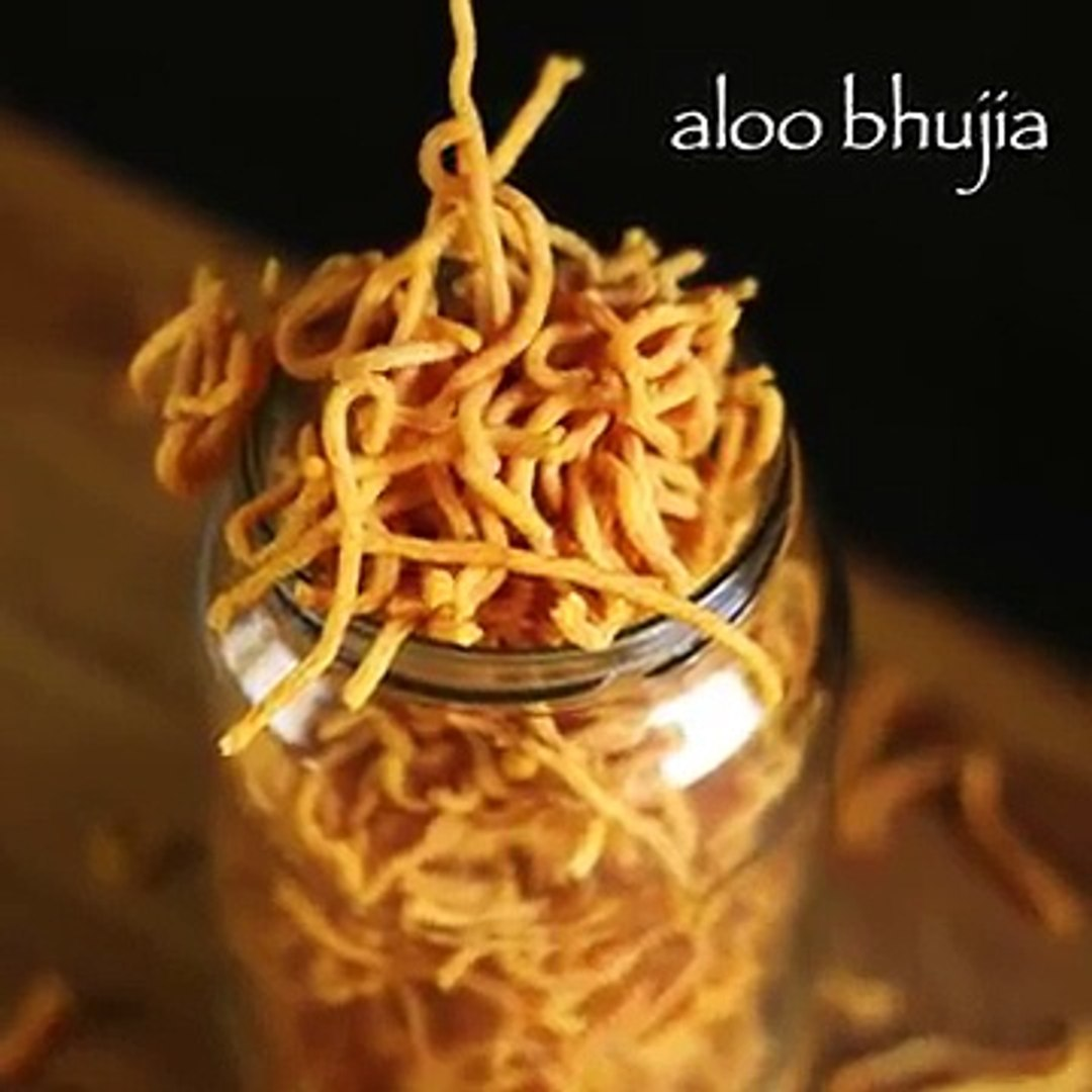 aloo bhujia recipe _ aloo bhujia sev recipe _ potato sev recipe