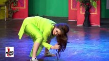 AFREEN KHAN 2016 SEXY MUJRA - KHUL GAI BOTAL JE - PAKISTANI MUJRA DANCE
