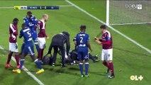 Les images inadmissibles du match Metz-Lyon  arrêtés après des jets de pétards sur le gardien lyonnais