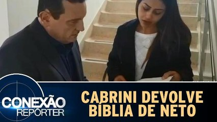 Cabrini encontra bíblia do zagueiro Neto e devolve à sua esposa