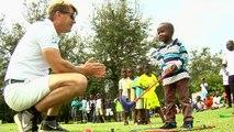 """الغولف يعرف الاطفال الفقراء في ساحل العاج على """"رياضات الاغنياء"""""""