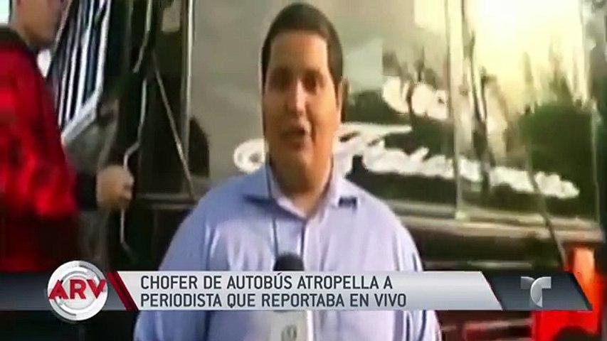 Mira como un autobús atropelló a un  reportero